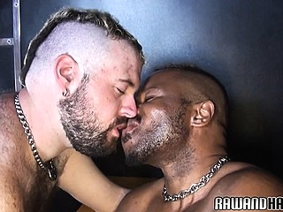 Chubby black bear rims his hairy lover bareback (gay) bears (gay) gays (gay)