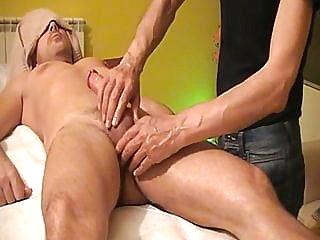 Massaggio Italiano - Italian Massage amateur (gay) handjob (gay) massage (gay)